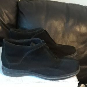 Shoes - Easy Spirit Comfy Black Suede Booties, size 10